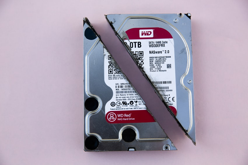 Memory storage on pink background